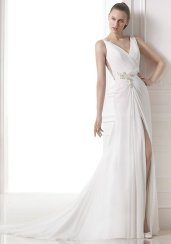 Maranta by Pronovias. Size 14. Good condition.